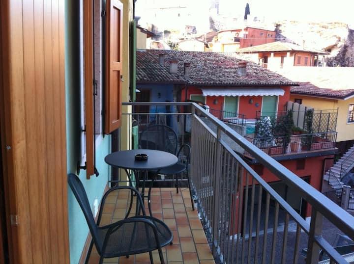 Casa vacanza Lucia - Studio vista lago con balcone