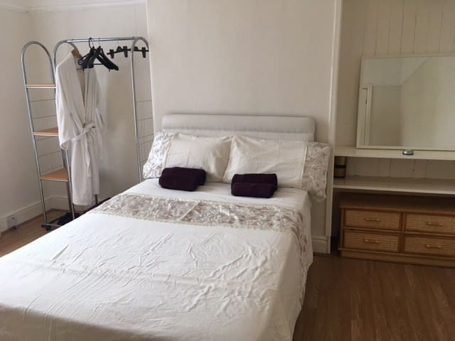 Luxury double room close to Liverpool city center - ลิเวอร์พูล - บ้าน