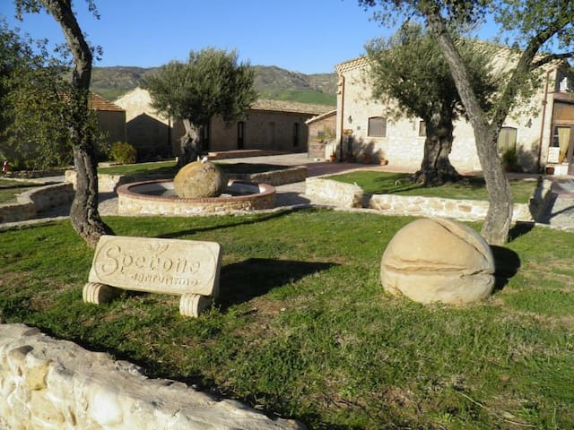 Sperone old farm, confort moderno  - Assoro - Bed & Breakfast
