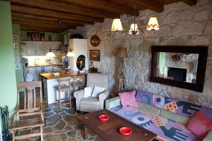 Stone built house in Kriopigi - Kriopigi - Ev