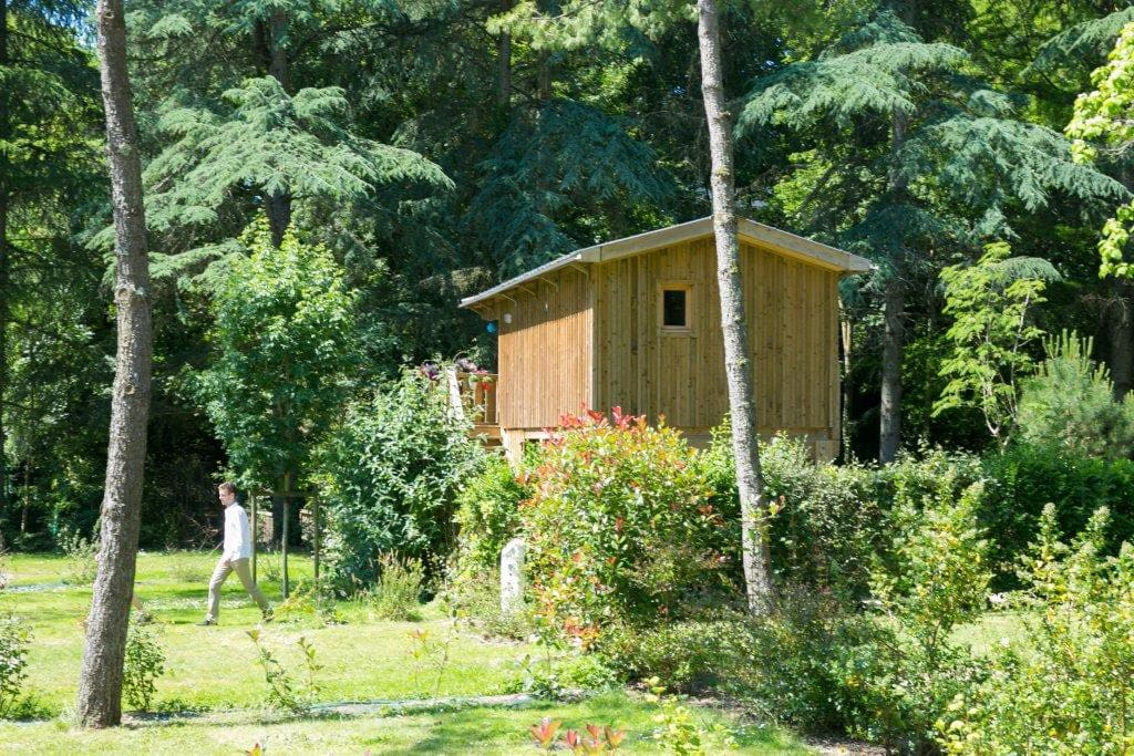 la cabane dans les arbres nantes treehouses for rent in nantes pays de la loire france. Black Bedroom Furniture Sets. Home Design Ideas