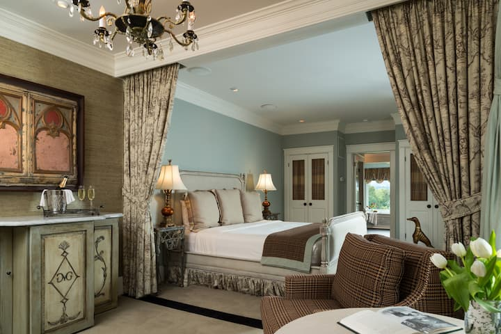 ★ GLEN GORDON MANOR ★ The Windsor Suite