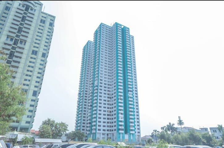 Classy Studio Apartment with Balcony @ Kemayoran