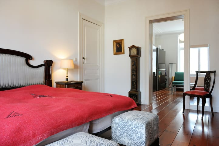 Spacious suite off Avenue Louise - Bruxelles - Hus