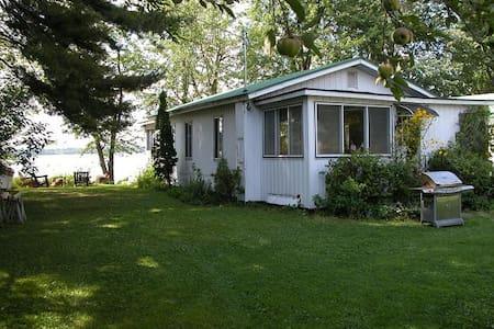 Cottage on Lake Champlain! - Swanton