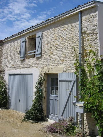 charmante maison 120m2  avec jardin - Saint-Ouen-d'Aunis - Ev