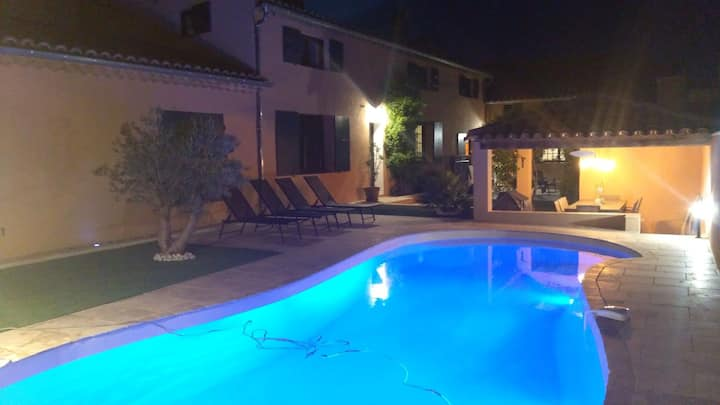 Mas of charm 250m2 with heated swimming pool 9x4.