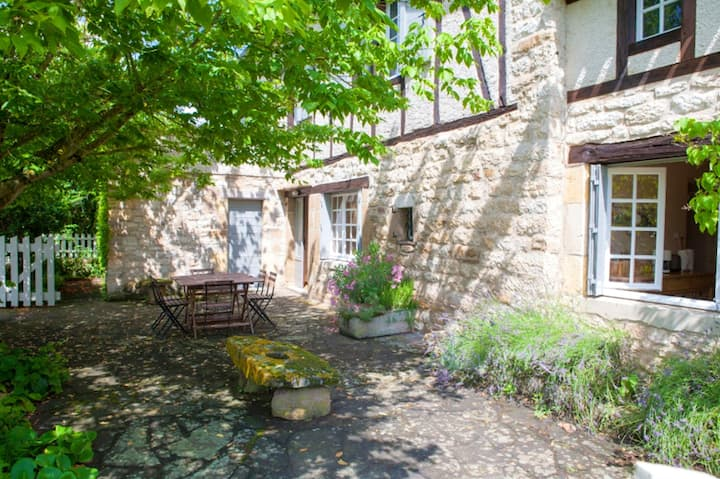House with 3 bedrooms in Cordes-sur-Ciel, with wonderful city view, enclosed garden and WiFi