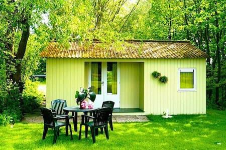 Knus houten strandhuisje - Warffum - Blockhütte