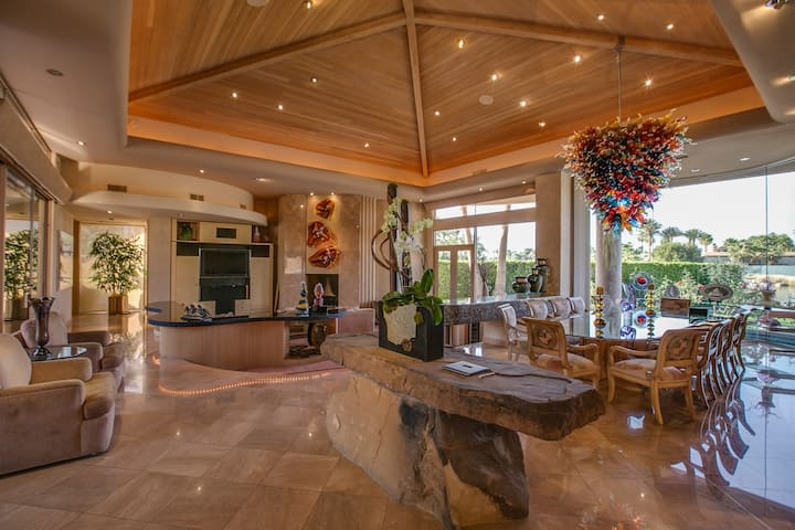 7,500sqft. w/6 En Suite, swim up bar,putting green
