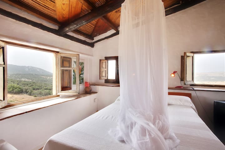 "#05 ""Africa"" The Panoramic Bedroom"