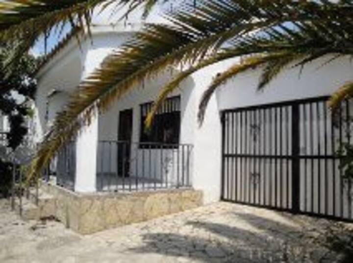 charmant villa au calme dans résidence familiale