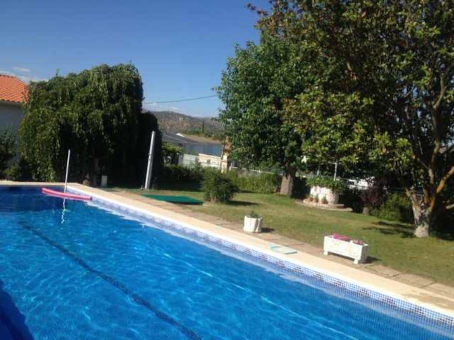 Casa con piscina casas para alugar em pelayos de la for Piscinas comunidad de madrid 2016