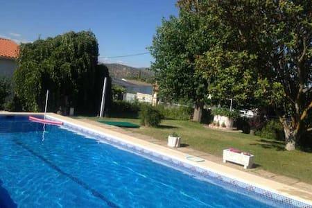 Casa con piscina - Pelayos de la Presa