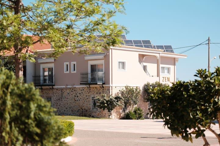 ZEN MINIMAL LUXURY HOUSING TYROS - Z27Β