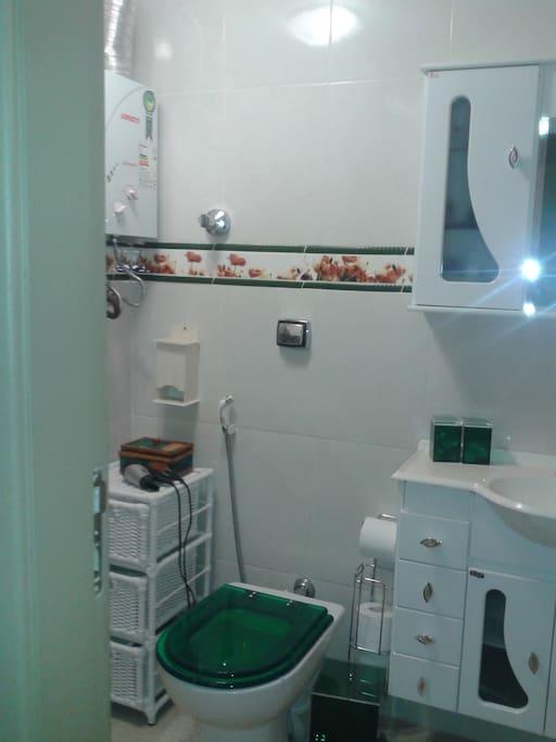 Bath & restroom