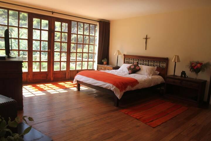 Vista al Rio Sagrado Urubamba - Huaran / Calca - Bed & Breakfast