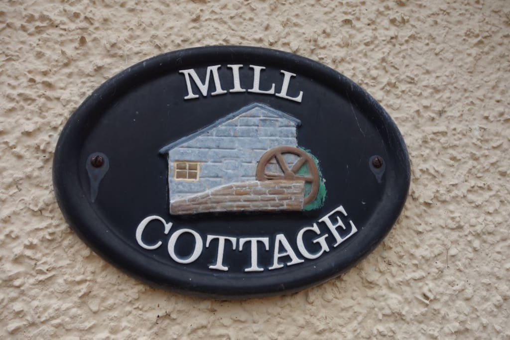 Welcome to The Cottage at Parkmill, Boarhills.