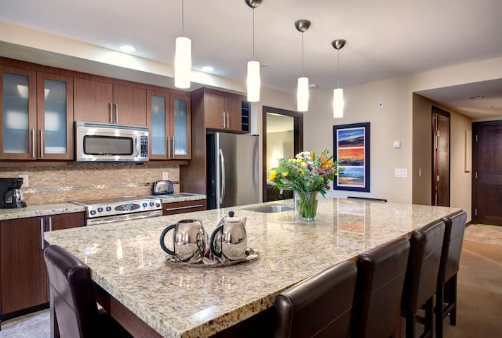 Luxury 2 bdrm Condo in Parksville! - Parksville - Appartamento
