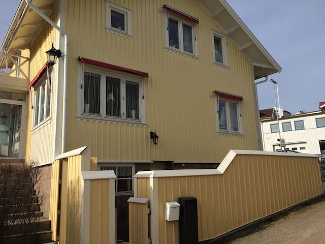 Very nice appartment in the center of Grebbestad - Grebbestad - Wohnung