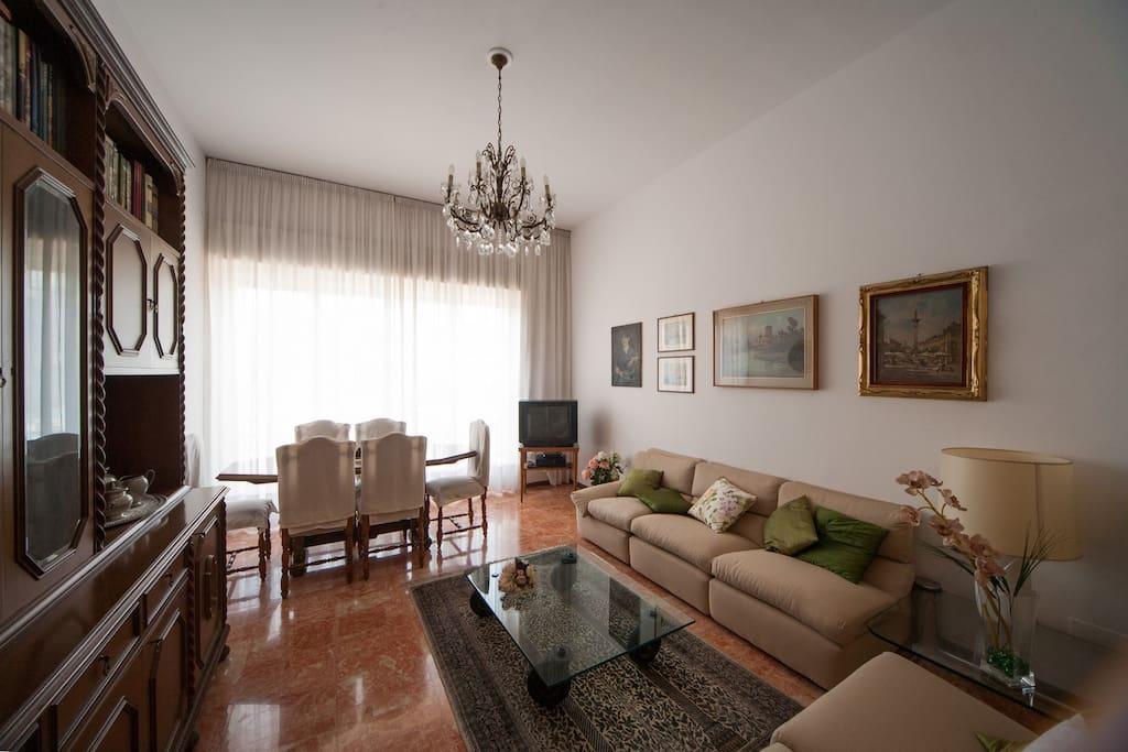 Como appartamento vista lago appartamenti in affitto a for Appartamento lago milano