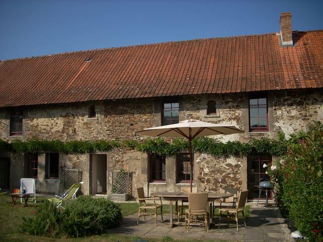 gite 6 pers. sur propriété viticole - Corcoué-sur-Logne - Dom