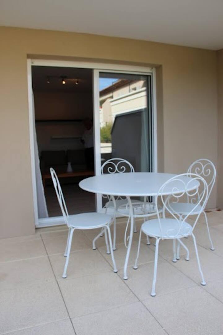 Appartement calme avec terrasse