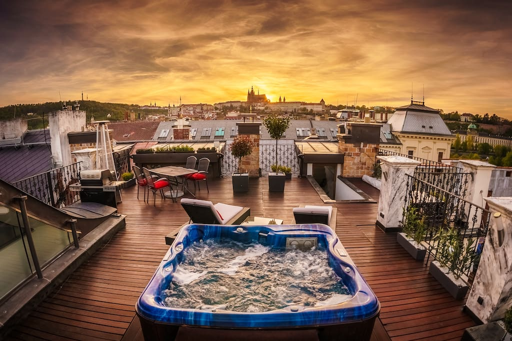 Amazing rooftop with breathtaking views - experience this in the very centre of one of the worlds most beautiful historical city centres.