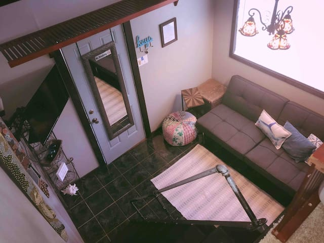 Loft Studio in Haleiwa Town, Private Entrance, A/C