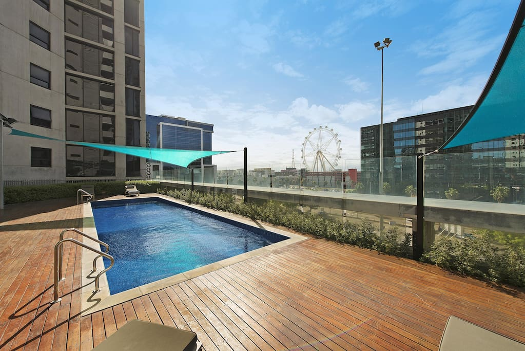 Pinnacle Luxury Penthouse In Melbourne Docklands Apartments For Rent In Docklands Victoria