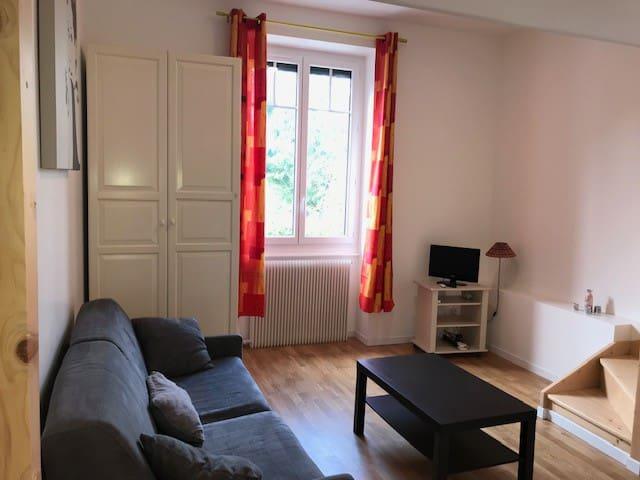 Appartement T2 meublé dans belle propriété boisée