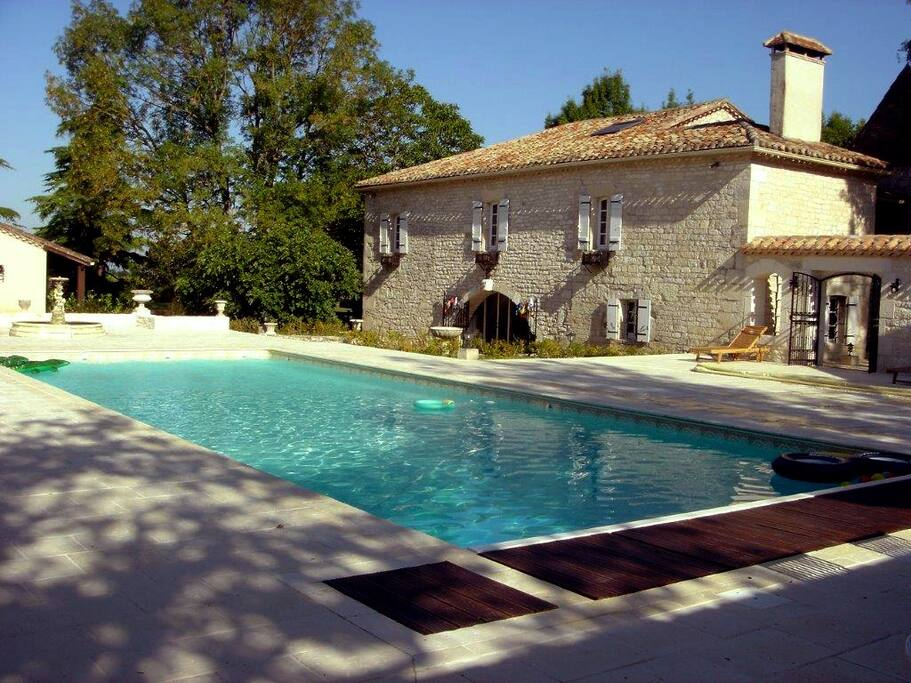Enchanting house in s w france maisons louer saux - Youtube maison france 5 ...