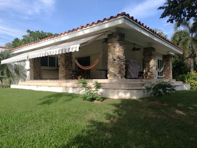 Luxury tropical home on Panama's Pacific Coast - Punta Barco - House