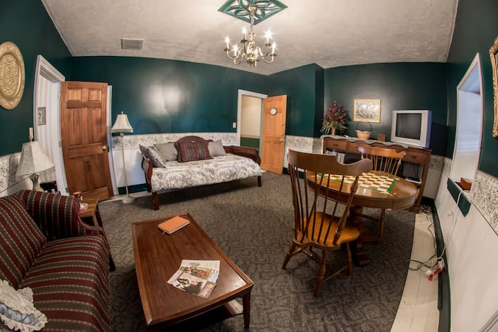 The Three Colonels Suite - Fairfield - Bed & Breakfast