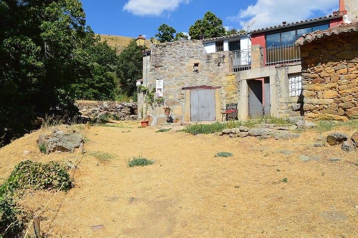 Casa Rural Al Patio, Sierra de Gredos - Los Loros