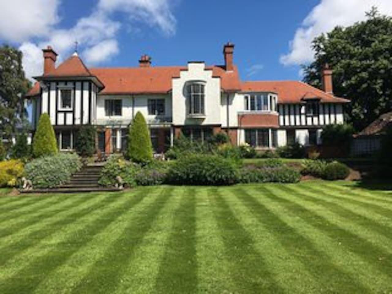 Stunning Arts & Crafts Mansion
