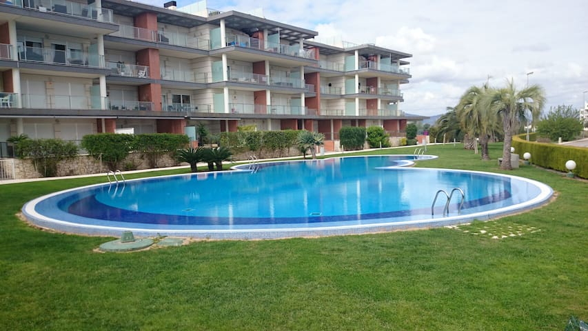 Modern Apartment at Oliva Nova Golf and MET - Oliva - Leilighet