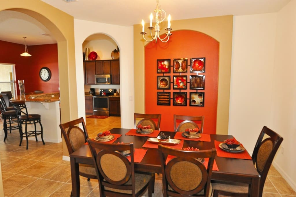 Chair, Furniture, Dining Room, Indoors, Room