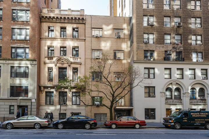 Centrally located, however the whole apartment faces a quiet courtyard.