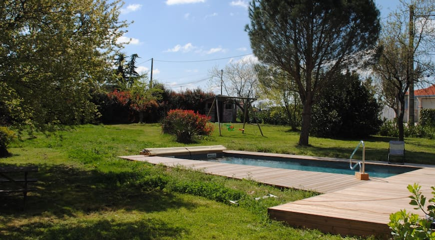 House with private pool and garden - Montans