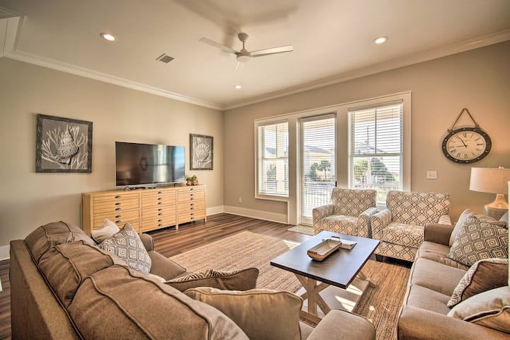 Gulf Shores Family Cottage with White Sand Beach!