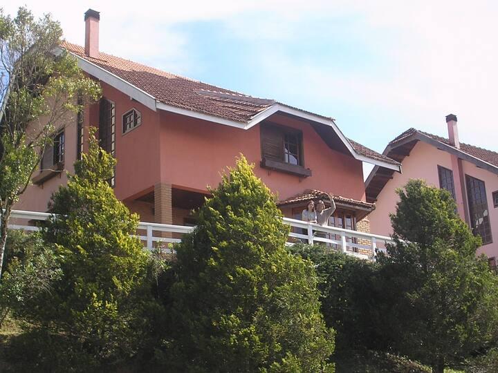 Casa - Alto do Capivari 8 pessoas