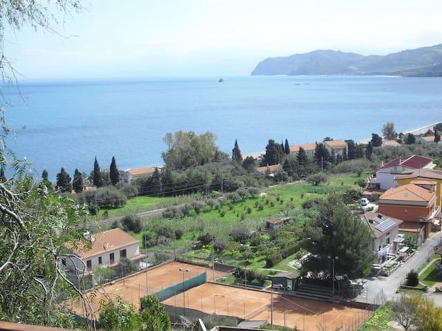 Complete home: sea, garden, terrace - San Giorgio - 一軒家