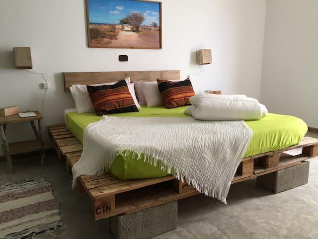 Casa Pau Guest House - Acacia Room