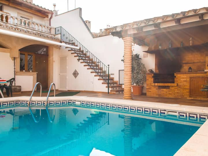 Jaume II - House with swimming pool in the heart of Lluchmayor