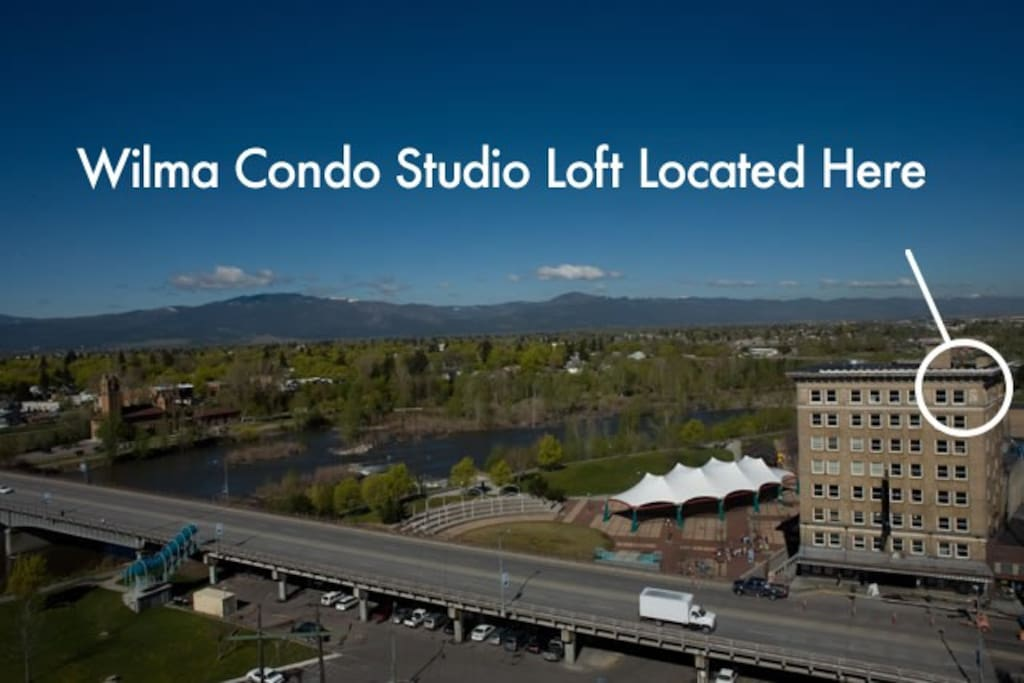 Location of the top-floor Wilma Condo