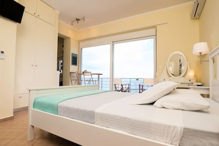 Eros - Superb Seaview Apartment