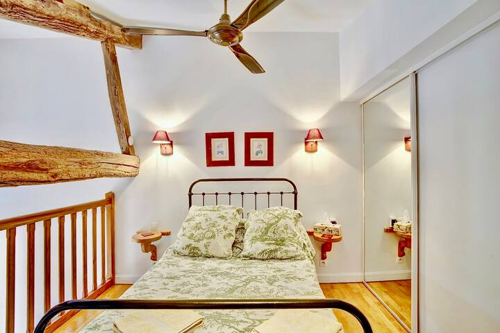 Rose - Bedroom