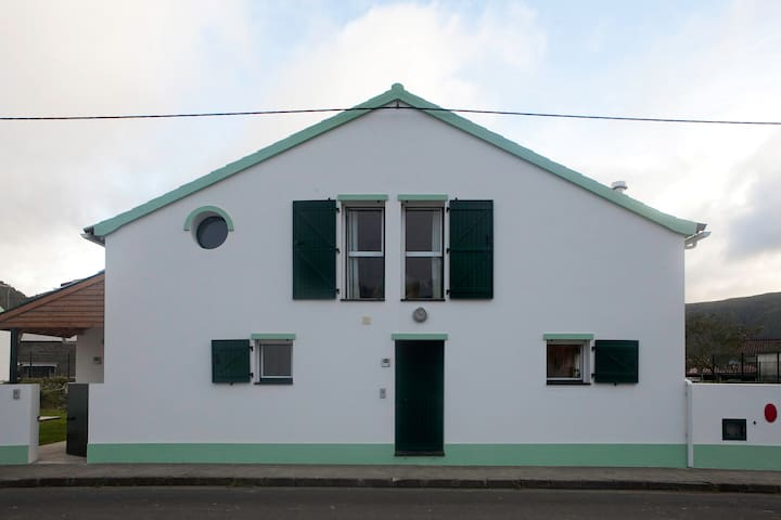 Family House in Sete Cidades - Ponta Delgada