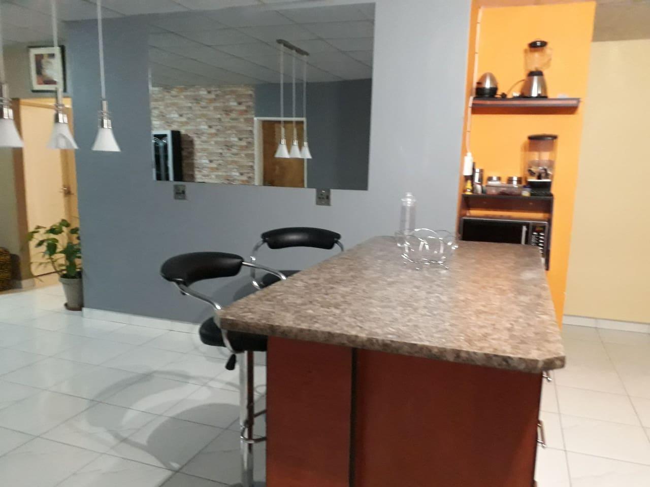 Kitchen/dinning table